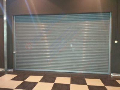 Рулонные ворота М-80Р перфорированные, Торговый центр
